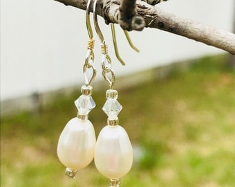 Earrings, Swarovski Pearl Earrings, Sterling Silver Ear Wire, Wedding Earrings, Beach Wedding, Elegant Pearl Earring, Fancy Pearl Earrings