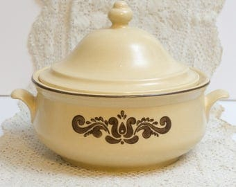 Vintage 2 Qt Round Covered Casserole in Village (Made in USA) by Pfaltzgraff 6-315