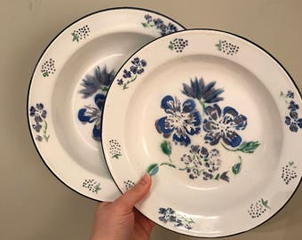 Vintage April Cornell violet enamelware bowls & Cornell vintage | Etsy