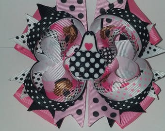 Fashionable Girl in Paris Hairbow