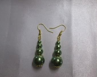 Earrings green beads