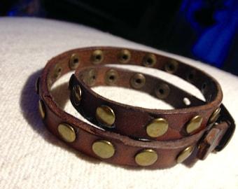 Studded leather bracelet double turn