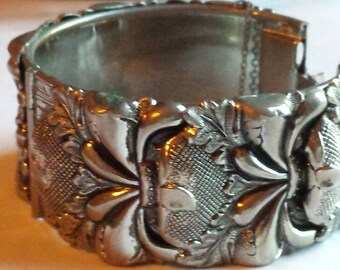Vintage Vargas Signed Chunky Repousse Silver-Tone Clamper Cuff Bracelet. Very Nice Condition. Great Gift Idea. Treat Yourself to a Gift.