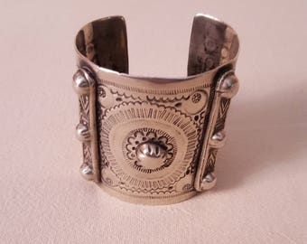 Egypt - Antique silver Bedouin Cuff bracelet from Oasis of Siwa, in Egypt