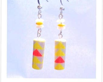 Graphic paper beads earrings