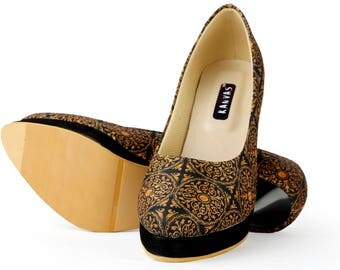Black & Gold Pumps // Mughal Inspired print // Handmade // Original Designer footwear// Indian Designer // Desi Print // Pencil Heels