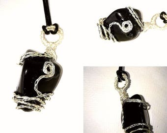 "Pendant ""Obsidian dream"" on leather strap"