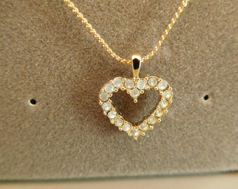 Vintage 1986 Avon Heart Gold Tone Necklace with 18 Inch Chain