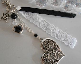 Bag charm / black romantic heart key ring