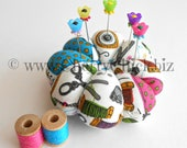 Wrist Pincushion - Gift for Quilter - Wrist Pincushion with Decorative Sewing Pins - Gift for Seamstress - Sewing Pincushion - Pin cushion