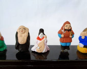 EJP33 : Japanese pottery Miniature 7 Lucky Gods ,hand made in japan