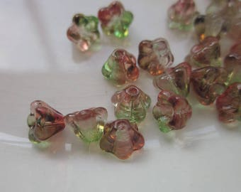 24 Vintage Glass Flower Beads, Red and Green Givré , 6mm x 4.5mm