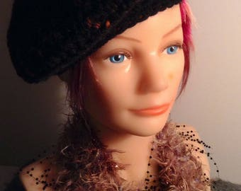 Beret hand crocheted in black and orange small inclusions