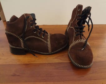 "Vintage 1960's Men's suede shoe boots 1.75 "" heel top stitching lace up 8.5"