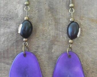 "Earrings ""Vegetable ivory"" or ""tagua"" or ""Corozo"""