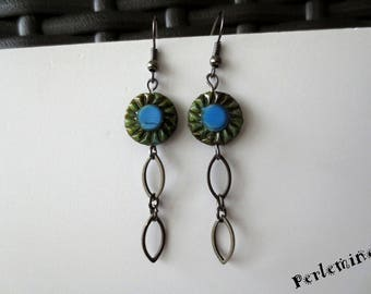 Earrings light and MOSS. Free shipment tracking.