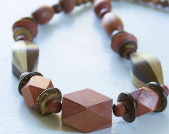 1970's Wood Beaded Necklace // Wooden Necklace// Boho Necklace