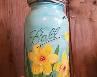 Flower primitive farmhouse candle holder.Beautiful handpainted spring time candleholder.Ball jar candle holder
