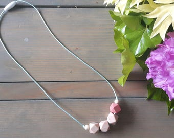 Toddler Teething/Sensory Necklace - clearance -