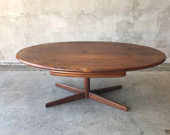 Oval desk or dinning table