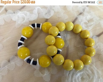 SALE Lovely Vintage Yellow Lucite Beaded Bangle Bracelets / Yellow/White/Black Beaded Bangle