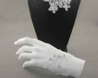 White lace lace white wedding bracelet and necklace set
