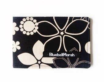 Midnight flower travel card holder