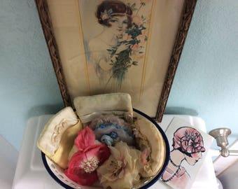 Vintage Powder Puff Lot with Enamel Display Bowl, Boudoir display, 6 Puffs with Bowl