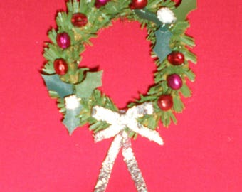 Dollhouse Miniature 1:12 Scale Pine And Holly Sleigh Bell Christmas/Holiday Wreath