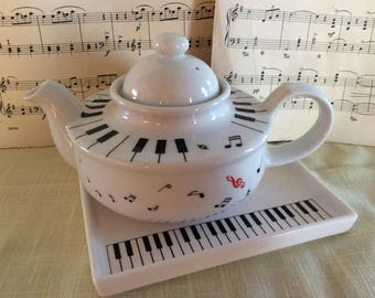 Lovely small piano notes novelty teapot and tray white porcelain Japan