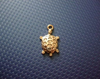 25 mm x 13 mm silver-plated turtle charm or pendant