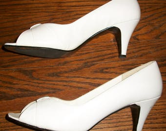 Vintage 80's White Selby Pumps or Heels