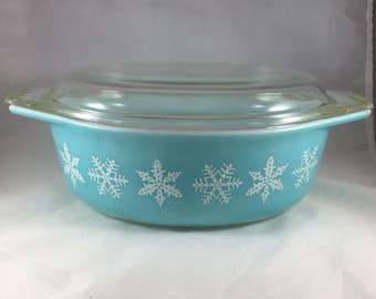 Vintage Pyrex - Blue Snowflake Pyrex - Pyrex with Lid - Winter Pyrex - Pyrex 043 - Oval Pyrex with Lid - Pyrex 1.5 Quart - Pyrex Dish