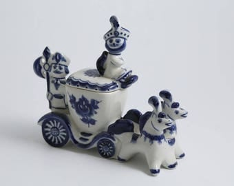 Beautiful Gzhel Russian Porcelain tale cat  in boots trinket Box hand-painted blue beautiful Figurine handmade souvenir Russia blue & white