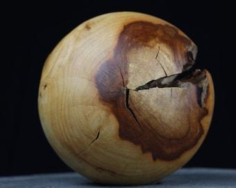 Wooden ball Dekokugel of plum oiled