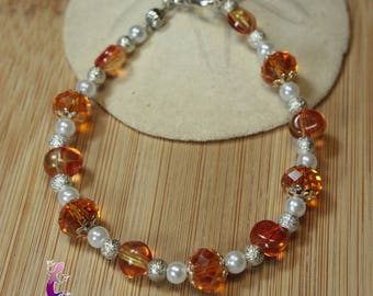 Amber colored faceted glass beads bracelet