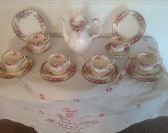 Royal Albert autumn rose tea set