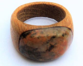Oak ring with stone for men