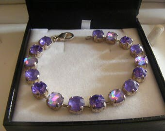Lovely Vintage Bracelet With Stunning Stones