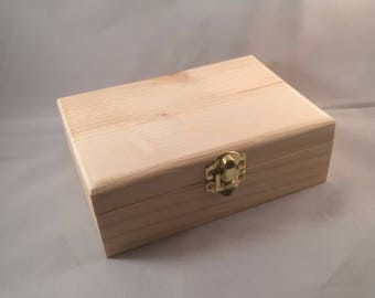 Small - Unfinished Wood Box Hinged with Clasp No Feet