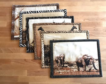 6 Mixed cotton placedmats with animals prints from Africa.
