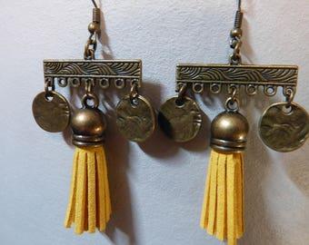 Vintage & tassel earrings