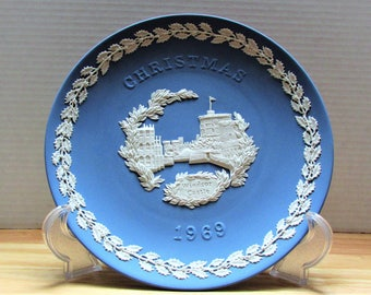 Wedgewood 1969 Christmas Plate ,Windsor Castle  presented by Amazing treasures Shop