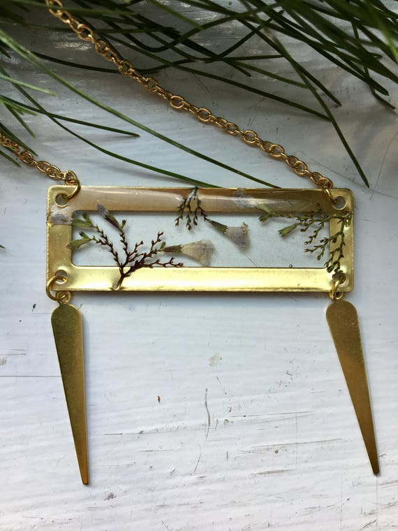crinkly mint flower brass necklace