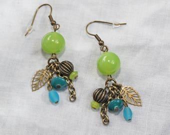Leaf and green beads earrings