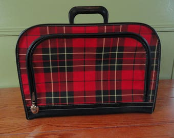 Vintage Red and Black Plaid Briefcase with Lock / Vintage Plaid Carry On Overnight Bag / Vintage Plaid Top Handle Suitcase / Punk, Goth