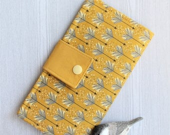 Womens wallet in Arrow print, Bifold womans wallet, credit card wallet, handmade wallet, checkbook wallet, slim travel wallet