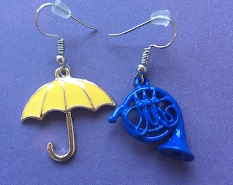 How I met your mother earrings, yellow umbrella and blue french horn earrings, HIMYM earrings, Yellow Umbrella earrings, blue horn earrings