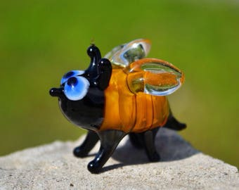 Glass bee figurines collectible bee miniature yellow glass bee sculpture bee statue bee figure fumed