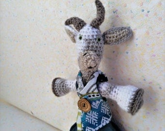 "Amigurumi goat ""Twine"", dressed in blue, two-tone biquette"